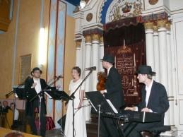 Folclor evreiesc la sinagoga din Sighet.