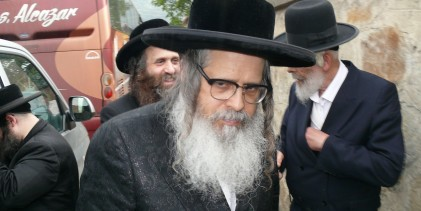 Doi mari rabini Teitelbaum din New York s-au oprit la Sighet, în pelerinajul către mormântul înaintaşului lor.