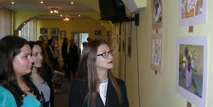 Expoziţia de debut a cursanţior Art-M