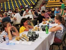 Aur la şah pentru Larisa şi Mihaela.